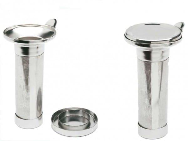 Tea Strainer for Isolating Teapot